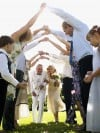 A wedding expert helps navigate the way to be a good wedding guest