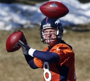 Manning warns Broncos not to let chance slip by