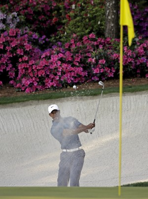 Players seem OK with Woods penalty instead of DQ