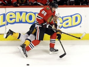 Kane, Toews back to bolster Hawks in playoffs