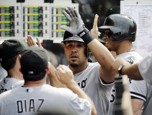 Abreu hits 29th HR, White Sox beat Indians