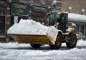 Latest snowfall leaves hundreds without power