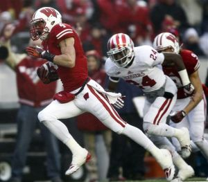 Indiana can't stop Badgers run game in Big Ten rout