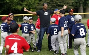 Curtis Granderson wants kids to get the glory, fun from baseball