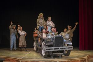 Anita Beezhold, Leon Simon named winners of Beverly Hillbillies Lookalike Contest