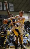 Valparaiso's Clay Yeo passes the ball against Murray State during Friday's home opener.