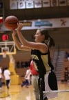 Griffith's Brooke Brinkley shoots in the first round of the Vincennes Shootout