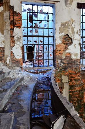 Charting Old Territory: Urban explorers look for beauty in broke down buidlings