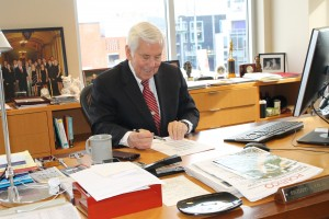 Mr. Lugar stays in Washington