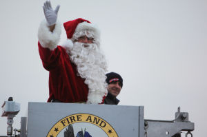 Santa arrives in Schererville during Christkindlmarket
