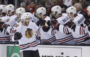 Kane leads Blackhawks past Kings, into Game 7