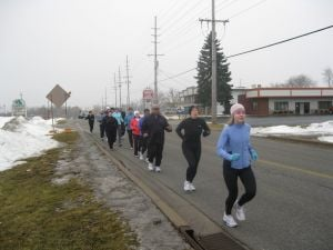 Sub-zero temps and snow don't keep dedicated runners indoors