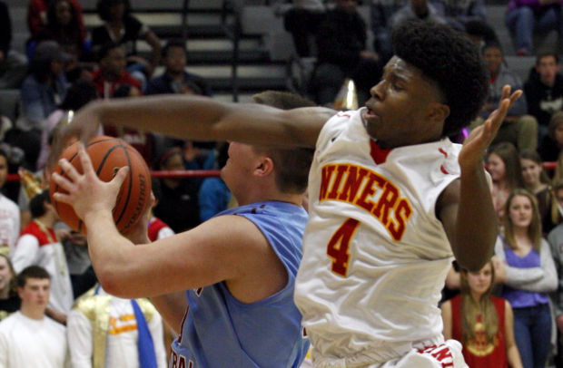 Flowers helps Niners defeat Hanover Central for fourth consecutive season