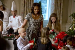 Michelle Obama unveils White House Christmas decor