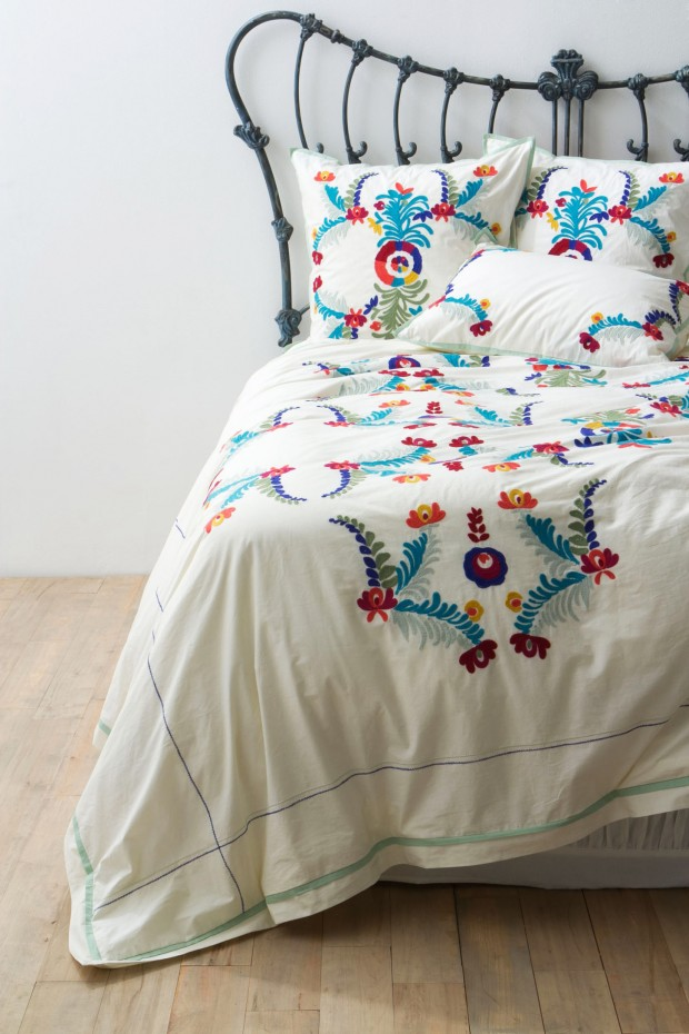 Scandinavian style fits spring Mexican embroidered bedding