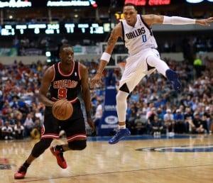 Nowitzki lifts Mavericks past Bulls 100-98