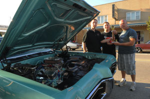 Lansing celebrates final cruise night
