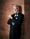 "John O'Hurley headlines national Broadway tour of ""Chicago"""