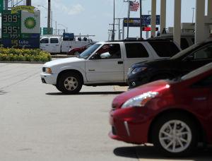 Gas prices dip below $3 a gallon