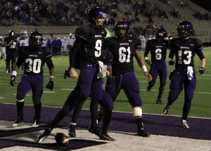 Pirates make quick work of Carroll in Class 5A football regional title game