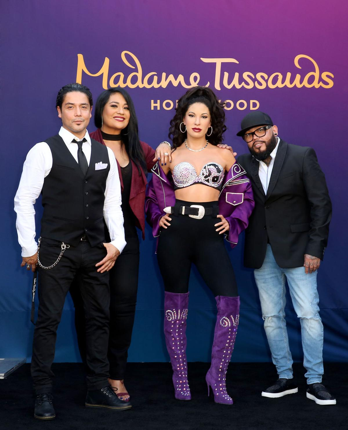 Rental Cars Dc: Selena Wax Figure Unveiled In Hollywood