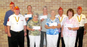 Leathernecks unit gives to food pantries