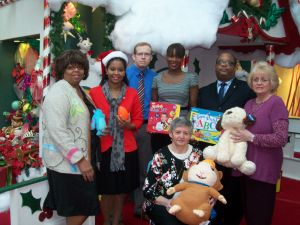 Alderman, city clerk sponsor Christmas toy drive