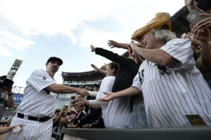 White Sox lose to Royals in Konerko's final game
