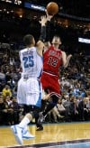 Deng leads Bulls over Hornets