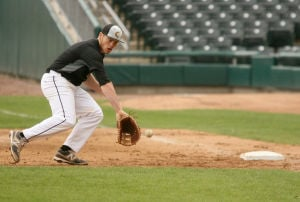 RailCats tryout brings out experience, rookies and pro baseball hopefuls