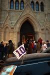 Hundreds pay respects at Ron Santo's wake