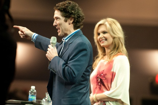 Joel Osteen Family Osteen gets rock star welcome