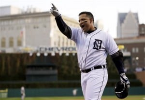 Miguel Cabrera, Buster Posey win MVP awards