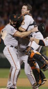 Giants win World Series behind Lincecum, Renteria