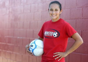 Munster's Flores takes leadership, ability as it comes