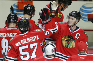 Toews scores in OT in Blackhawks' win