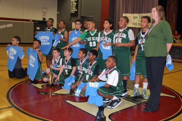 Oak Glen Grizzlies take trophy in Roundball Classic