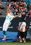Tannehill leads Dolphins past sluggish Bears 27-14