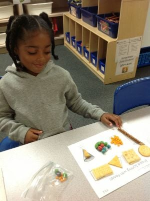 Fieler kindergarteners learn shapes