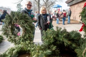 Mistletoe Market marks holidays with European Market vendors