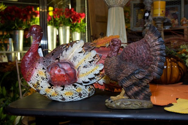 Tips for decorating your Thanksgiving holiday table
