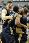 No. 8 Irish edge No. 16 Connecticut men's basketball team