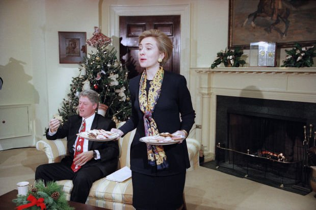 Clinton with First Lady Hillary Serving Her Chocolate Chip Cookies ...