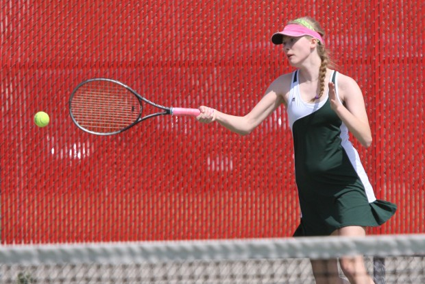 Valparaiso tennis player Kelly Kennedy perseveres through injury