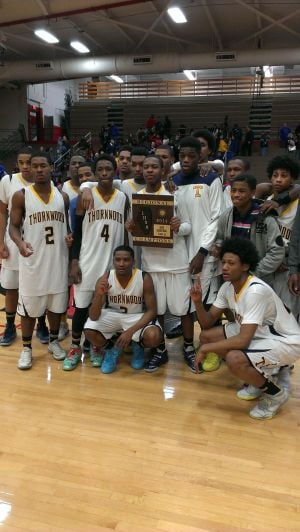 Thornwood runs away from Oak Forest for regional title
