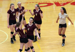 Short work for Valpo, Chesterton volleyball teams in sectional openers at CP