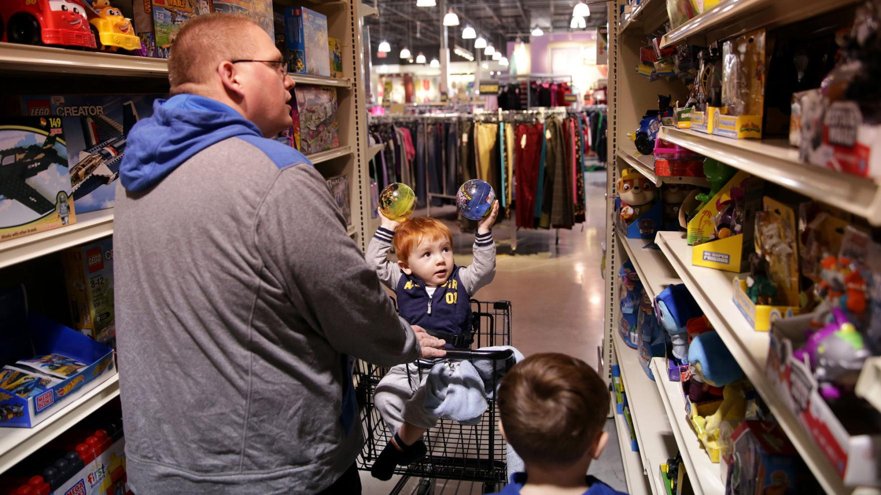 Gordmans, Family Christian going out of business