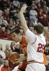 Hulls helps Indiana upset No. 20 Illinois