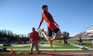 Valpo boys track regional features trio of double-winners