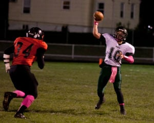 Whiting QBs returns, but running game dominates in GSSC-clinching win